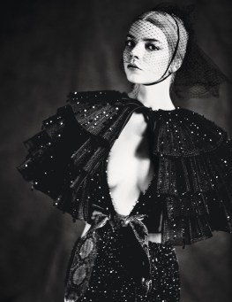 Anya-Taylor-Joy-W-Magazine-April-2017-Cover-Photoshoot02