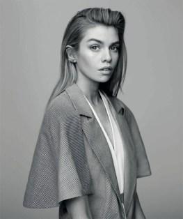 Stella-Maxwell-Harpers-Bazaar-Spain-April-2017-Cover-Editorial04
