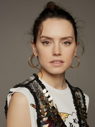 Daisy-Ridley-Fashion-Shoot09