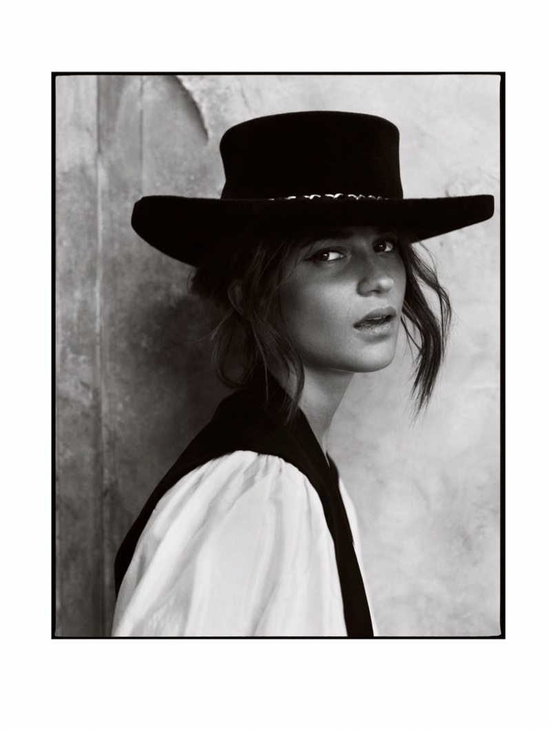 Alicia-Vikander-Fashion-Shoot07