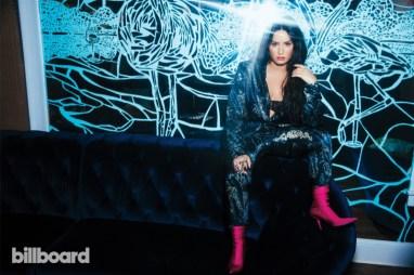 Demi-Lovato-Singer02