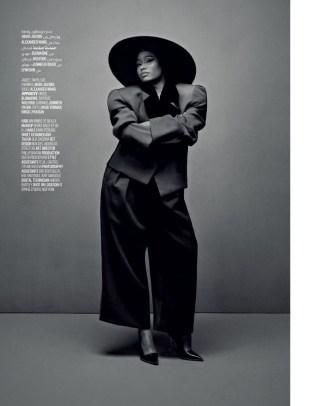 Nicki-Minaj-Vogue-Arabia-Cover-Photoshoot09