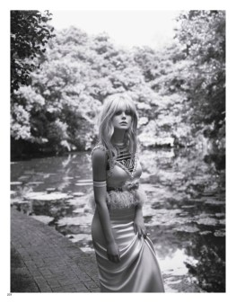 Elle-Fanning-Vogue-Japan-Cover-Photoshoot03