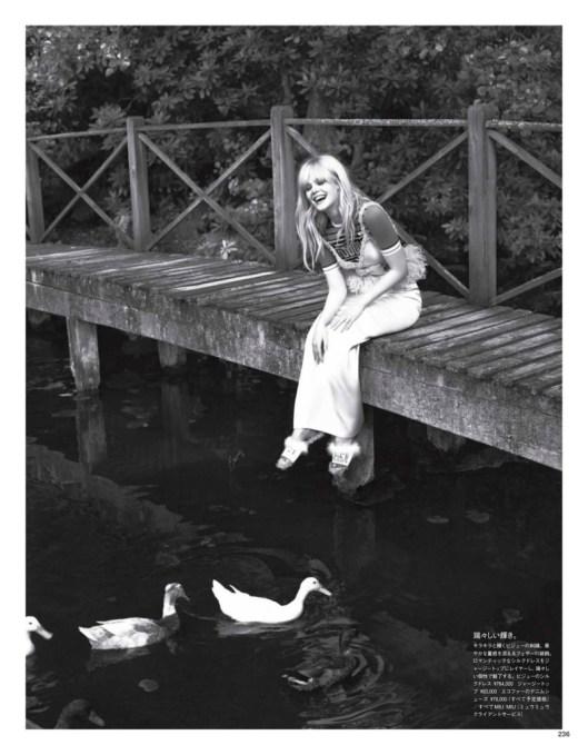 Elle-Fanning-Vogue-Japan-Cover-Photoshoot08