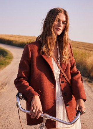 Mango-1970s-Style-Fall-2019-Lookbook14