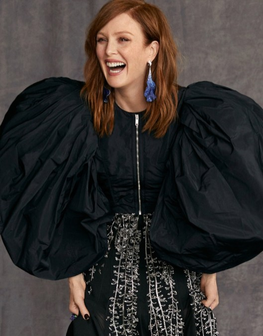 Julianne-Moore-Madame-Magazine-Cover-Photoshoot09