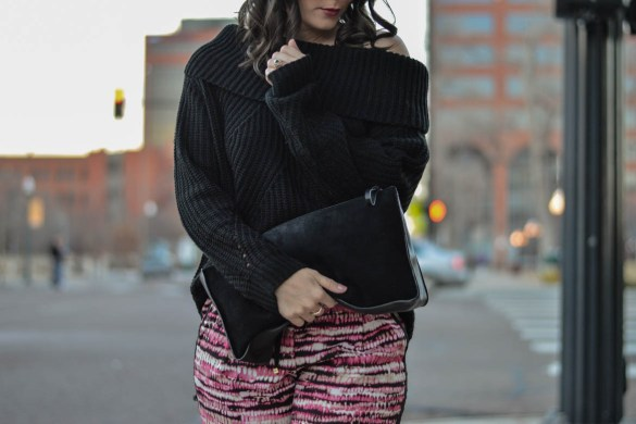 HOW TO DRESS UP YOUR COZY CASUAL PEICES by Fashion in Flight chase and chloe black strappy heels calvin klein print joggers topi off the shoulder black sweater forever 21 black suede clutch cat eye tortoise sunglasses fashion beauty lifestyle blog by ashleigh jean lopes colorado springs blogger denver blog brunette style outfit of the day ootd lookbook look of the day stylist