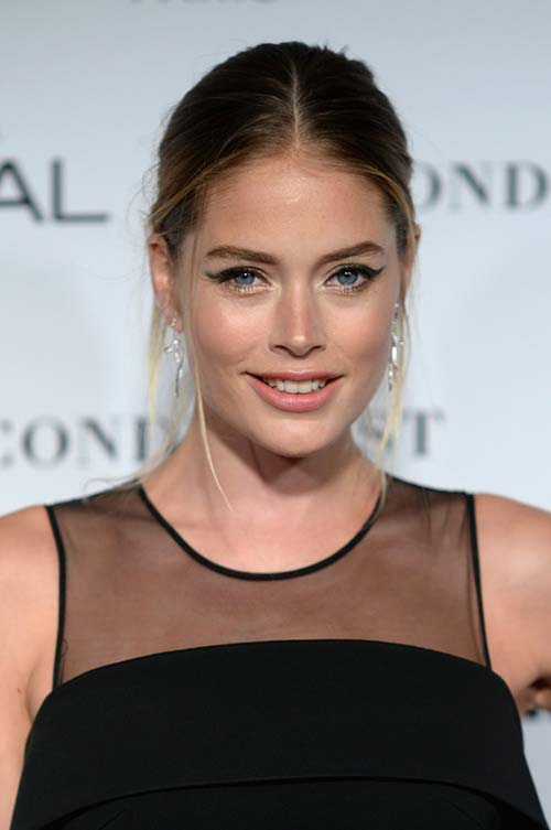 20 Stylish Ways to Wear Center Part Hairstyles: Doutzen Kroes