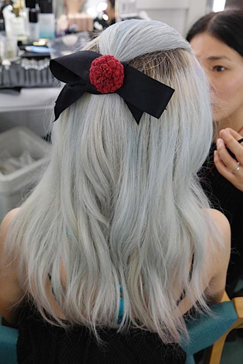 10 Gorgeous Holiday Party Hairstyles: Half-Up Hair With a Bow