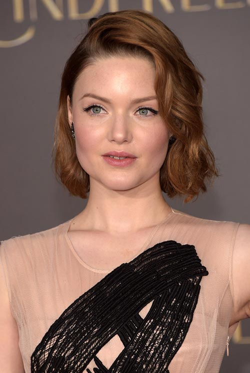 Short Hairstyle Ideas: Holliday Grainger Wavy Bob