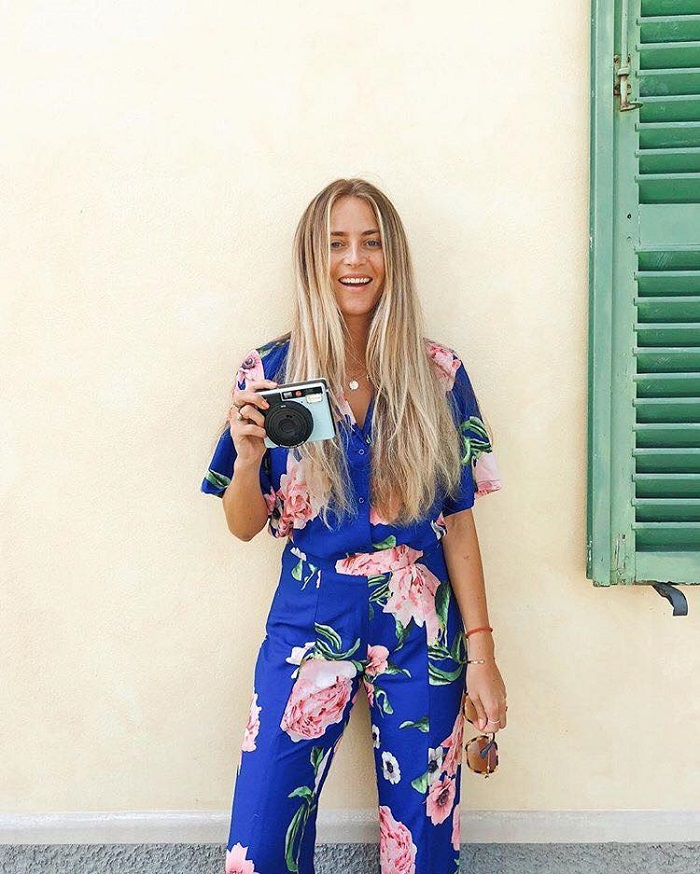 Chic, Trendy Summer Outfits To Steal From Bloggers floral jumpsuit
