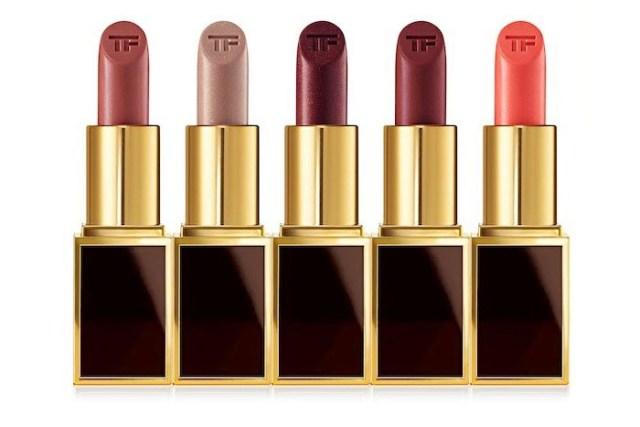 Tom Ford Lips & Boys collectie: 50 lippenstiften van reisformaat. Tom Ford beauty introduceert Lips & Boys collectie: 50 soorten met jongensnamen.