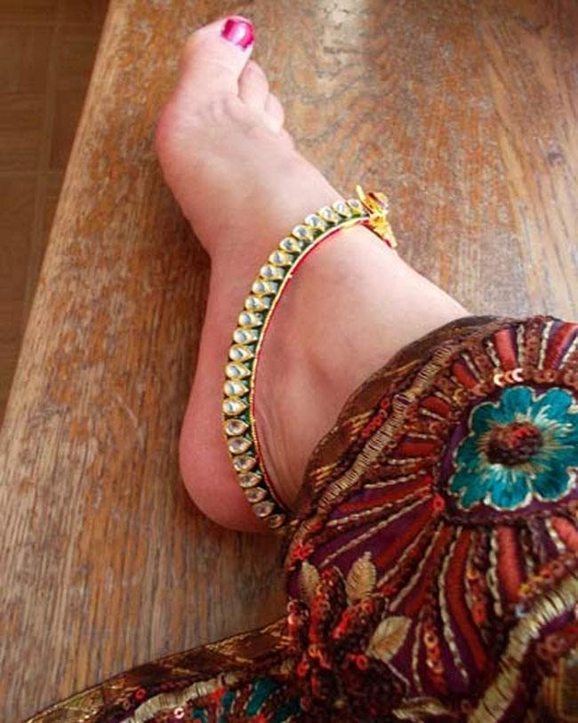 13 Remarkable Anklets That Are Back In Trend