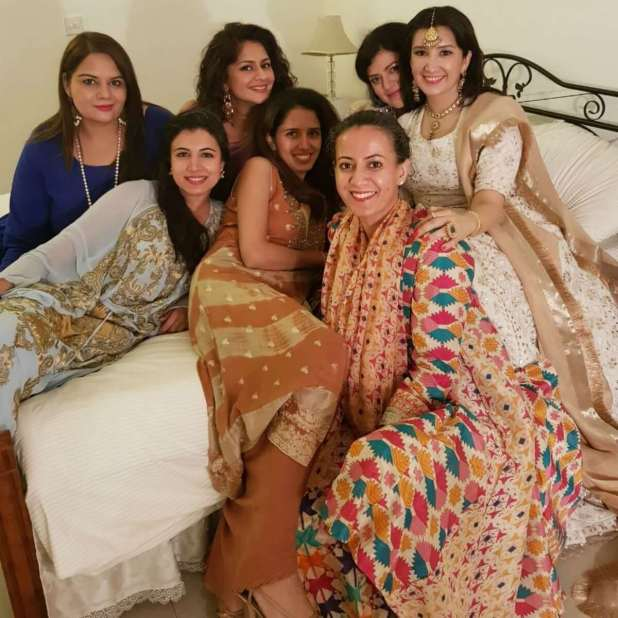 Zeb with her girl gang on her Big day zeb bangash ties the knot Zeb Bangash Ties the Knot Zeb with her girl gang on her Big day 1024x1024