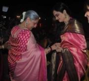 Jaya Bachchan_Rekha_Kanjeevaram_bonhomie