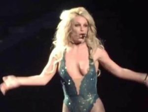 britney-spears-nipple-slip