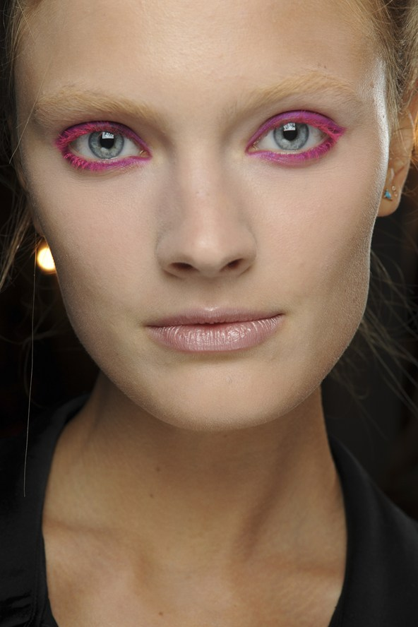 Neon Pink Eyeliner Summer 2013 Makeup Trends
