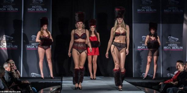 Körpernah Dessous Modenschau - Luxus auf Deiner Haut-4985