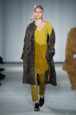 Dorothee Schumacher-Mercedes-Benz-Fashion-Week-Berlin-AW-17-69477