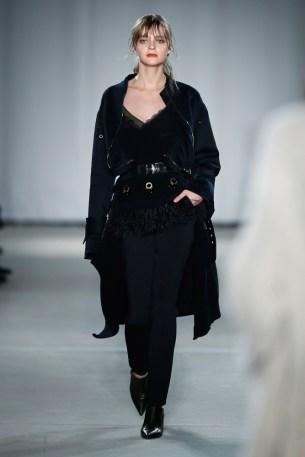Dorothee Schumacher-Mercedes-Benz-Fashion-Week-Berlin-AW-17-69487