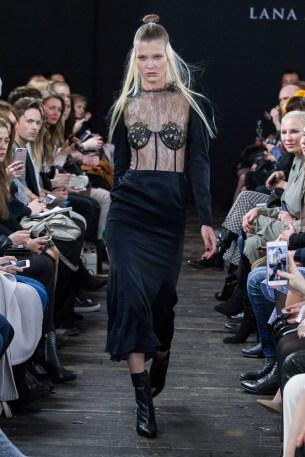 Lana Müller-Mercedes-Benz-Fashion-Week-Berlin-AW-17-0195