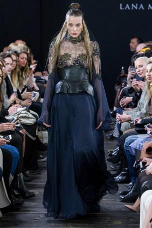Lana Müller-Mercedes-Benz-Fashion-Week-Berlin-AW-17-0443