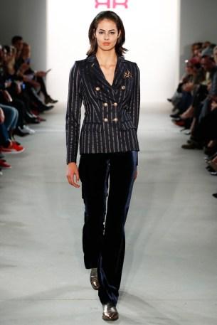 RIANI-Mercedes-Benz-Fashion-Week-Berlin-AW-17-69787