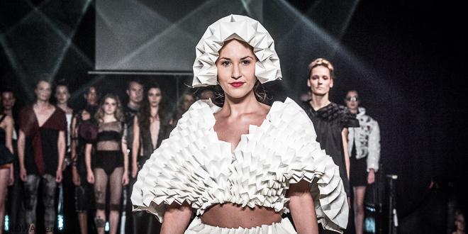 INTWO - Modenschau des 4. Semsters Modedesign der HTW Berlin