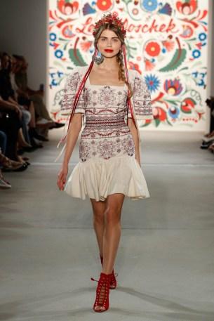 LENA HOSCHEK-Mercedes-Benz-Fashion-Week-Berlin-SS-18-71708