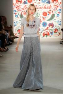 LENA HOSCHEK-Mercedes-Benz-Fashion-Week-Berlin-SS-18-71714