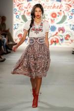 LENA HOSCHEK-Mercedes-Benz-Fashion-Week-Berlin-SS-18-71717