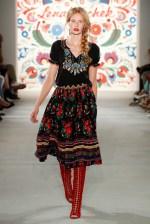 LENA HOSCHEK-Mercedes-Benz-Fashion-Week-Berlin-SS-18-71744
