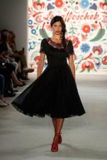 LENA HOSCHEK-Mercedes-Benz-Fashion-Week-Berlin-SS-18-71746