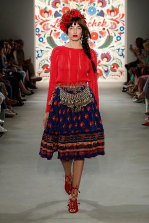 LENA HOSCHEK-Mercedes-Benz-Fashion-Week-Berlin-SS-18-71747