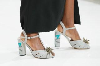 RIANI-Mercedes-Benz-Fashion-Week-Berlin-SS-18-010