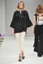 RIANI-Mercedes-Benz-Fashion-Week-Berlin-SS-18-027