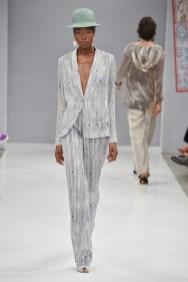 RIANI-Mercedes-Benz-Fashion-Week-Berlin-SS-18-048