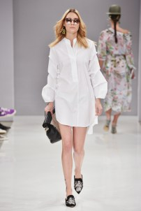 RIANI-Mercedes-Benz-Fashion-Week-Berlin-SS-18-072