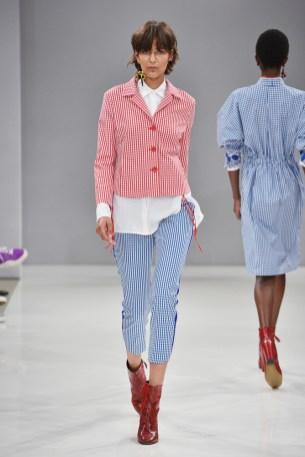RIANI-Mercedes-Benz-Fashion-Week-Berlin-SS-18-081