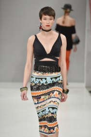 RIANI-Mercedes-Benz-Fashion-Week-Berlin-SS-18-098
