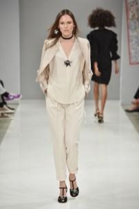 RIANI-Mercedes-Benz-Fashion-Week-Berlin-SS-18-101