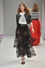 RIANI-Mercedes-Benz-Fashion-Week-Berlin-SS-18-110