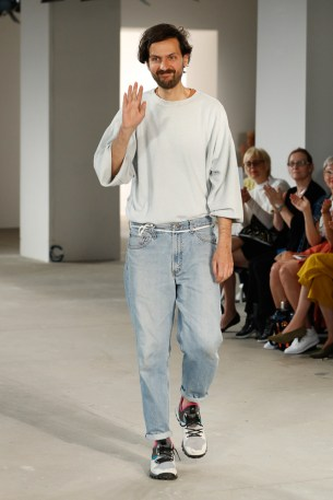 VLADIMIR KARALEEV-Mercedes-Benz-Fashion-Week-Berlin-SS-18-72718