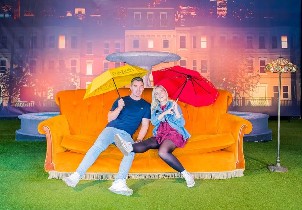 Comedy Central verlängert Öffnungszeiten für das Friendsfest Fan-Event in Düsseldorf