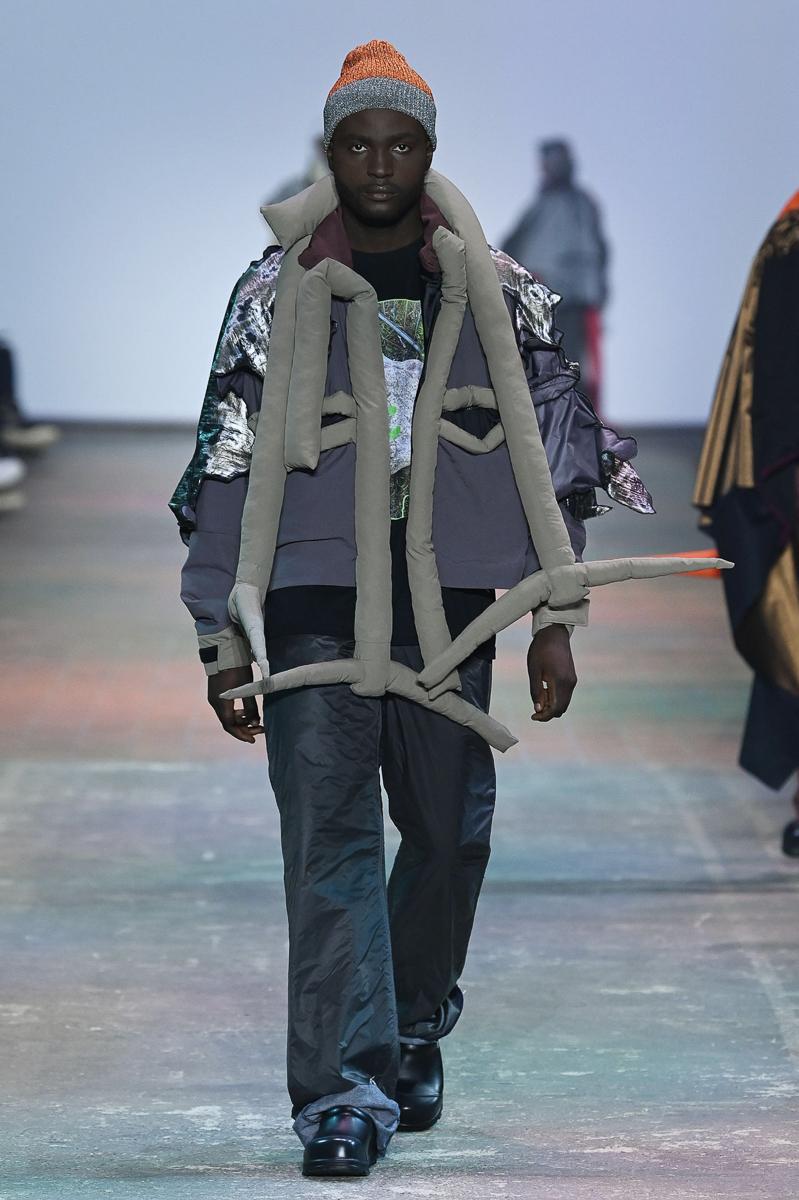 Neo.Fashion. Best Graduates Show & Award - Mercedes-Benz Fashion