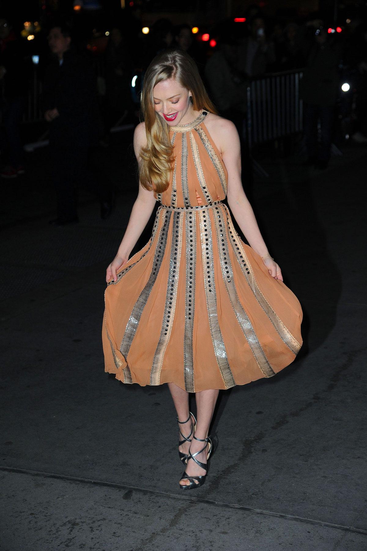 Posts Tagged AMANDA SEYFRIED Hot Dress Fashion Style