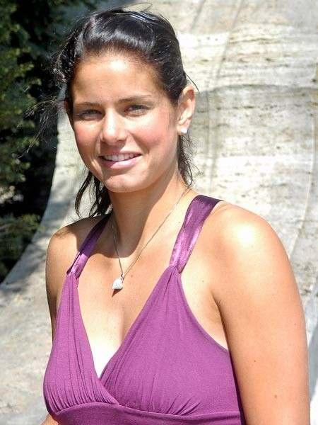 Julia Goerges Hot Pictures Fashion Style Trends 2019