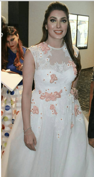 Mehwish Hayat All Dolled Up For The Dubai Premiere Of Actor In Law Pakistani Drama Celebrities