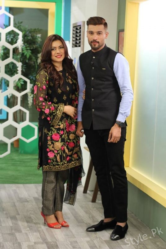 Beautiful Clicks Of Muhammad Amir With His Wife And