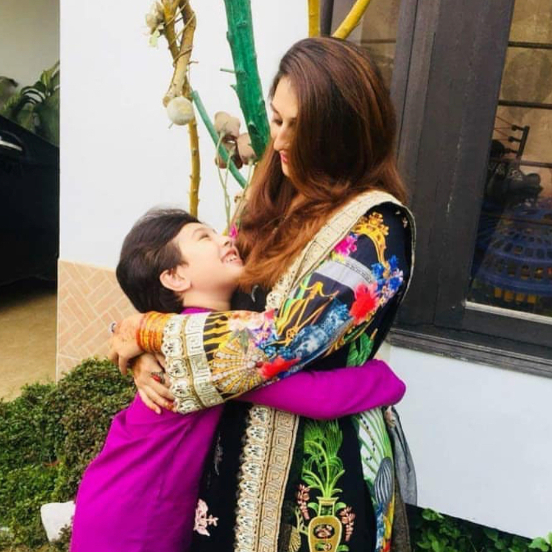 Awesome Photos of Sar e Aam Show Host Iqrar ul Hassan with his 1st Wife